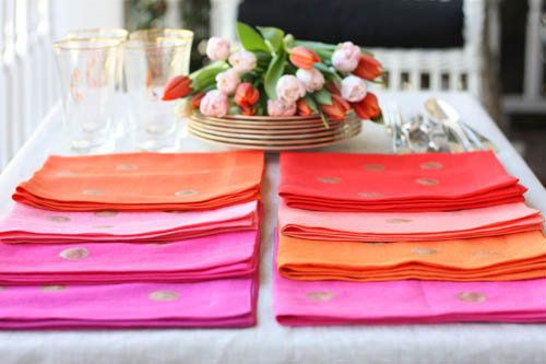 """A great gift to give the <a href=""""http://www.huffingtonpost.com/2012/11/29/homemade-gift-ideas-confetti-napkins_n_2212603.htm"""