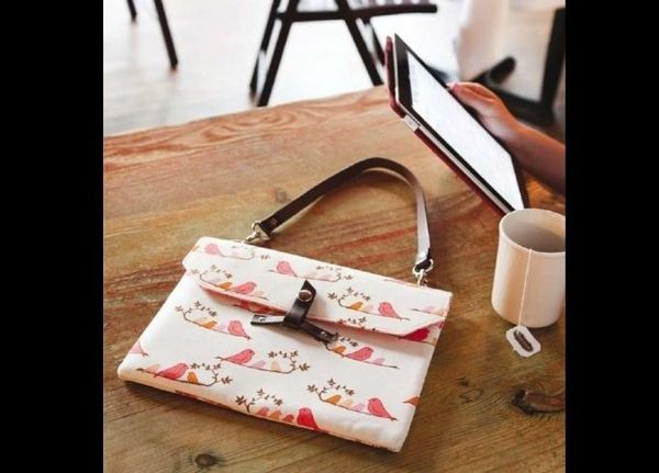 """Create <a href=""""http://www.huffingtonpost.com/2012/08/10/craft-of-the-day-ipad-tablet-case_n_1764794.html"""" target=""""_hplink"""">t"""