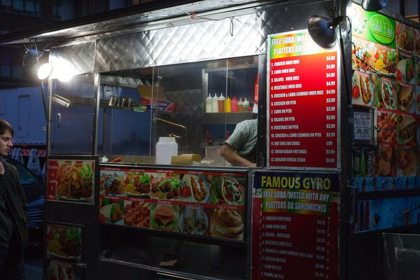 There's a big difference between what's okay at 3 am and 9 am. Take note: most street food is NOT OKAY in the morning.
