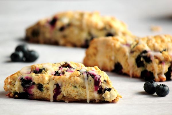 "<strong>Get the <a href=""http://www.pastryaffair.com/blog/2011/8/29/lemon-blueberry-scones.html"" target=""_blank"">Lemon Bluebe"