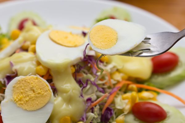 <strong>Skip:</strong> Hard-boiled eggs <br><br><strong>Scoop:</strong> Eggs are cheap at the store, but at the salad bar the
