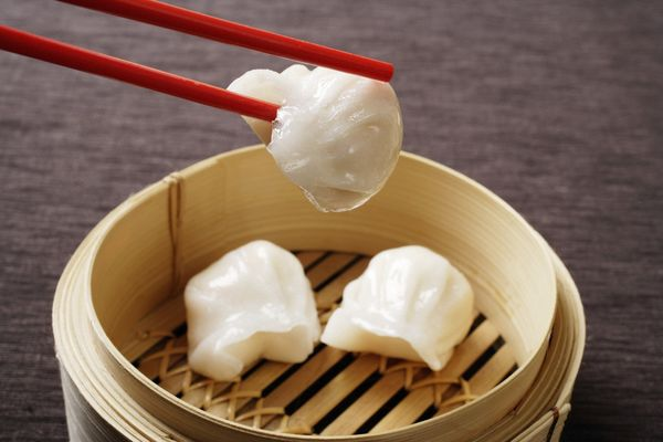 Steamed, shrimp-filled pockets, these Chinese dumplings are traditionally served in dim sum.