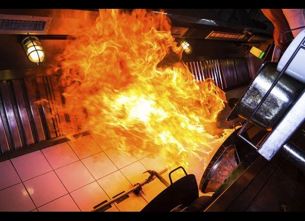 """<a href=""""http://www.thedailymeal.com/10-restaurant-disasters-and-how-survive-them/1814?utm_source=huffington%2Bpost&utm_mediu"""