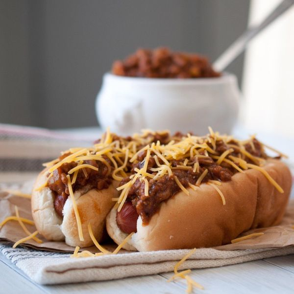 "<strong>Get the <a href=""http://thebeeroness.com/2012/08/02/beer-chili-cheese-dogs-for-ipa-day/"" target=""_blank"">Beer Chili a"