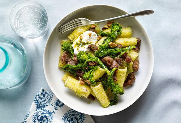 "Rigatoni and sausage get a nutritious boost from walnut pesto and broccoli rabe.  <a href=""http://www.oprah.com/food/Pasta-wi"