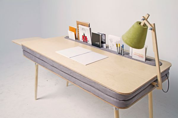 "Rather than bulky drawers, Anna Lotova's <a href=""http://annalotova.com/?p=42"" target=""_blank"">Oxymoron Desk</a> uses a foam"