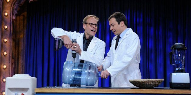 LATE NIGHT WITH JIMMY FALLON -- Episode 128 -- Airdate 10/08/2009 -- Pictured: (l-r) Chef/host Alton Brown during an experiment with host Jimmy Fallon on October 8, 2009 (Photo by Tracy Leeds/NBC/NBCU Photo Bank via Getty Images)