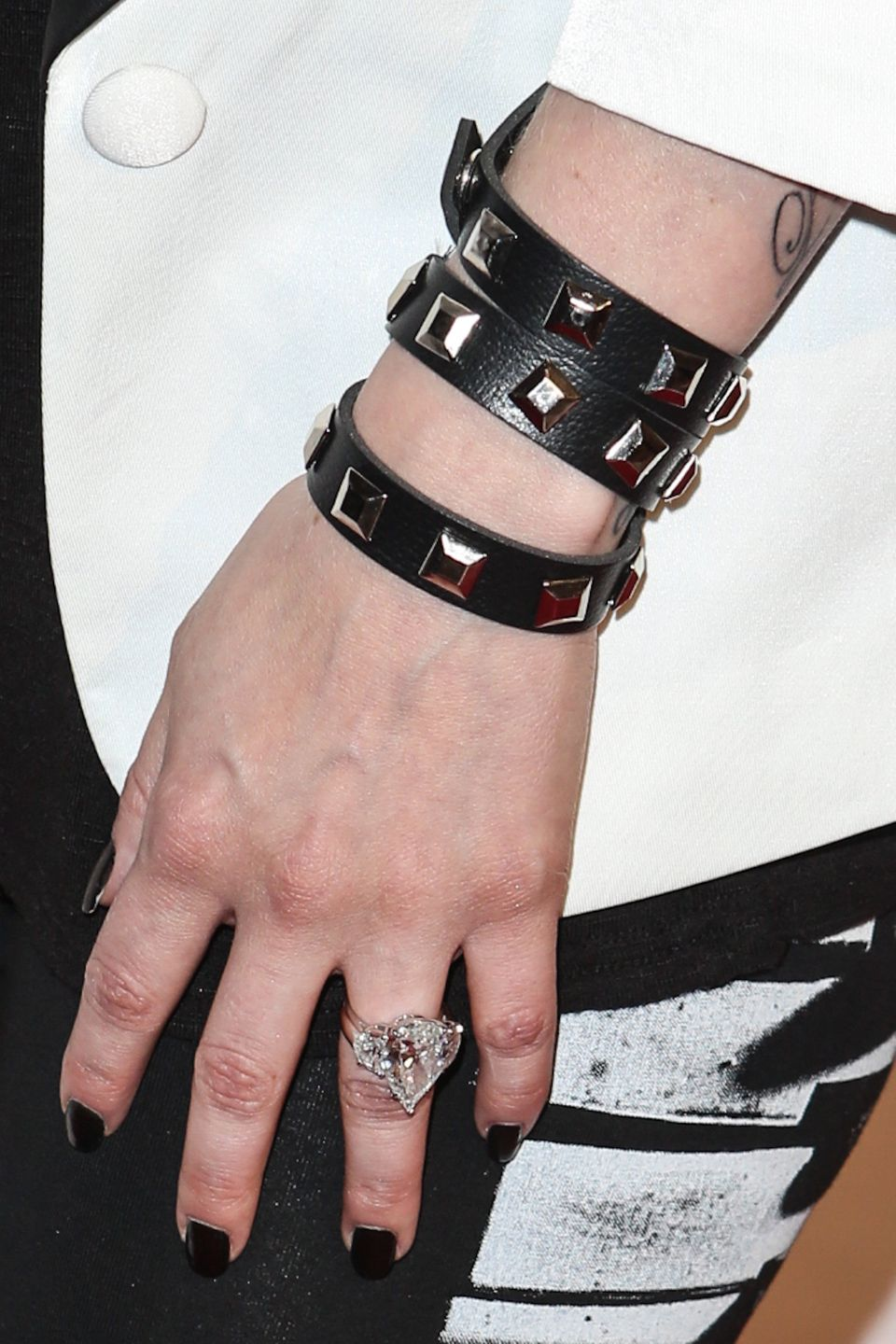 """Nickelback frontman Chad Kroeger <a href=""""http://stylenews.peoplestylewatch.com/2012/08/23/avril-lavigne-engagement-ring-pict"""