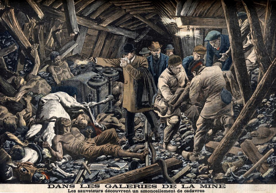 March 10, 1906: A dust explosion in a French mine kills 1,099 workers.  <em>Discovery of the bodies of the victims of the min