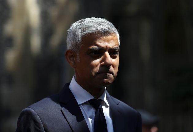 Δεύτερο δημοψήφισμα για το Brexit ζητά ο δήμαρχος του Λονδίνου, Σαντίκ
