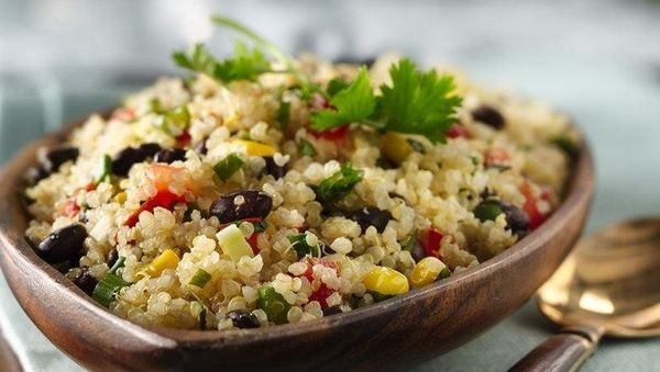 <br><strong>SWAP OUT:</strong> Rice<br><br><strong>SWAP IN:</strong> Quinoa<br><br> Cut empty carbs from your dinner by swapp
