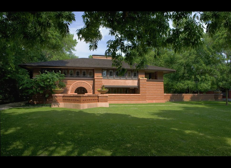 "Location: Oak Park, Ill.<br> Built: 1902<br> <a href=""http://www.allwrightoakparktours.com/arthurheurtleyhouse.htm"" target=""_"