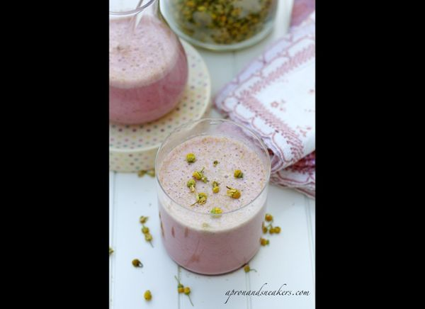 """<a href=""""http://imbibemagazine.com/Chamomile-Strawberry-Smoothie-Recipe """" target=""""_hplink""""><strong>Chamomile Flower and Straw"""