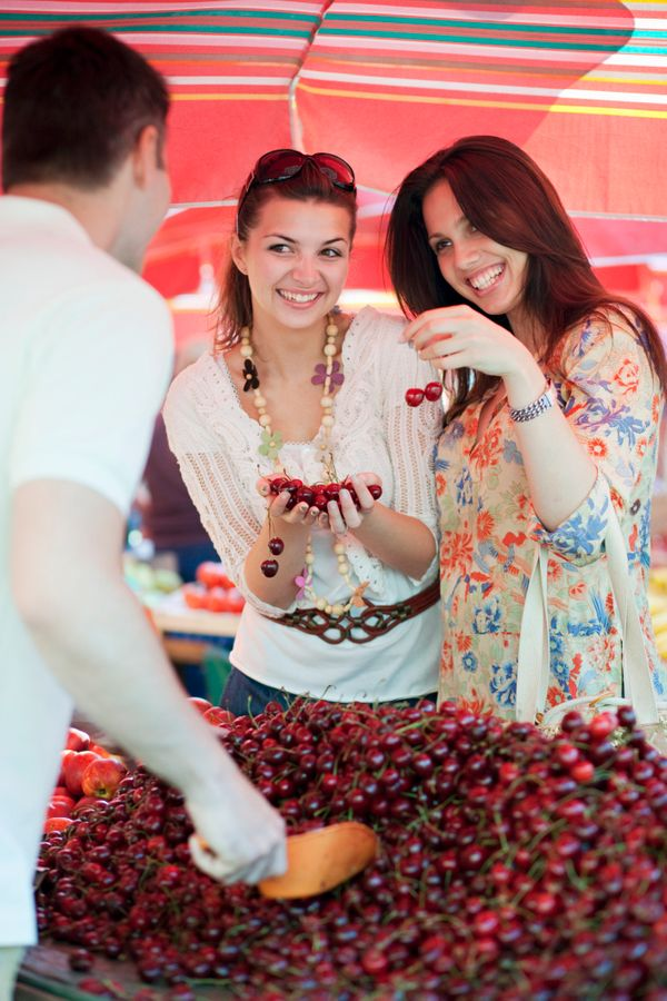 We agree: going to the farmers market is very exciting. But please contain your giggles and your photo-ops.