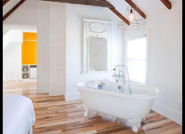 <strong>SALT HOUSE INN Provincetown, Massachusetts</strong>