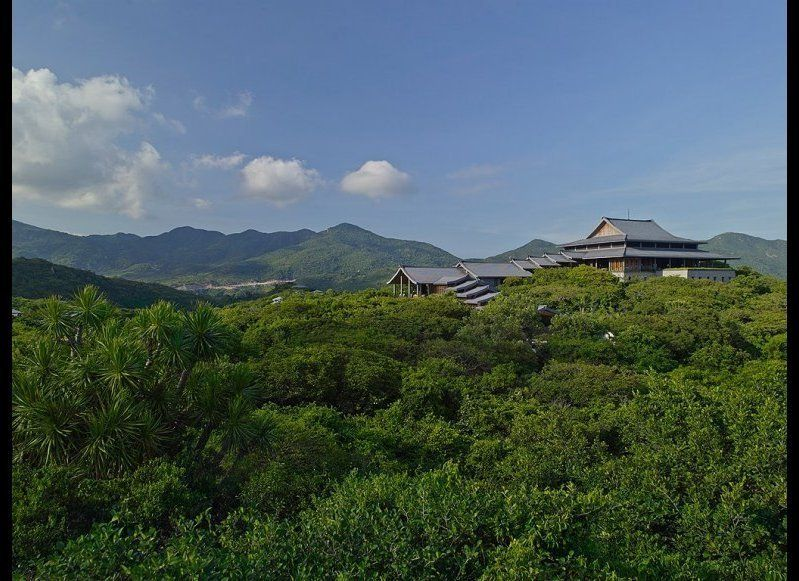 """<strong><a href=""""http://www.cntraveler.com/hot-list/2014/way-out-there-hotels/amanoi-vinh-hy-bay-vietnam?mbid=synd_huffpo """" t"""