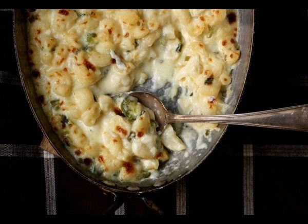 Who doesn't love some good old fashioned Mac 'n Cheese? This rendition with jalapeno and scallion will have everyone fooled t