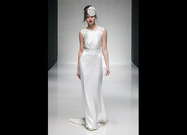 """<strong><a href=""""http://www.larkbridal.com"""" target=""""_blank"""">Lark Bridal</a></strong> accessorized a slinky Hollywood gown wit"""