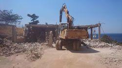 Κατεδαφίζονται δεκάδες αυθαίρετα σε Αιτωλοακαρνανία, Κορινθία, Κεφαλονιά και