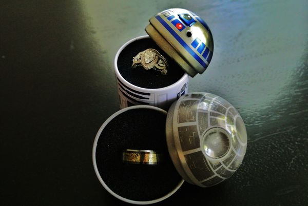 """One woman's fiance <a href=""""http://imgur.com/gallery/PY8bBh3"""">surprised her</a> with these stunning """"Star Wars""""-themed weddin"""