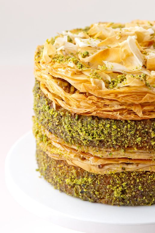 "<strong>Get the <a href=""http://hungryrabbitnyc.com/2011/09/pistachio-baklava-cake/"" target=""_blank"">Pistachio Baklava Cake r"