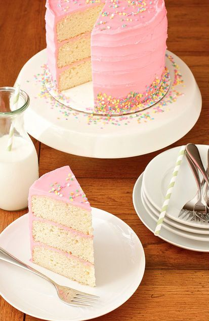 """<strong>Get the <a href=""""http://www.smells-like-home.com/2011/08/pink-vanilla-bean-birthday-cake/"""" target=""""_blank"""">Pink Vanil"""