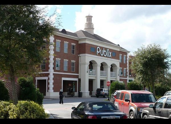 Serving the Southern part of the country, Publix has more than 1,000 stores and is one of the largest U.S. regional grocery c