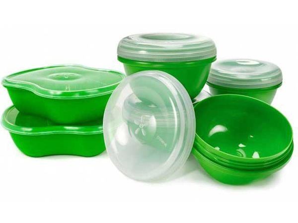 """These 100% recycled food containers from <a href=""""https://www.preserveproducts.com/"""" target=""""_blank"""">Preserve</a> are also re"""