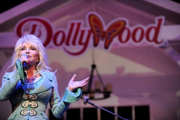 Dolly Parton is an American treasure and her theme park, Dollywood, embraces that. How many other amusements parks offer roll