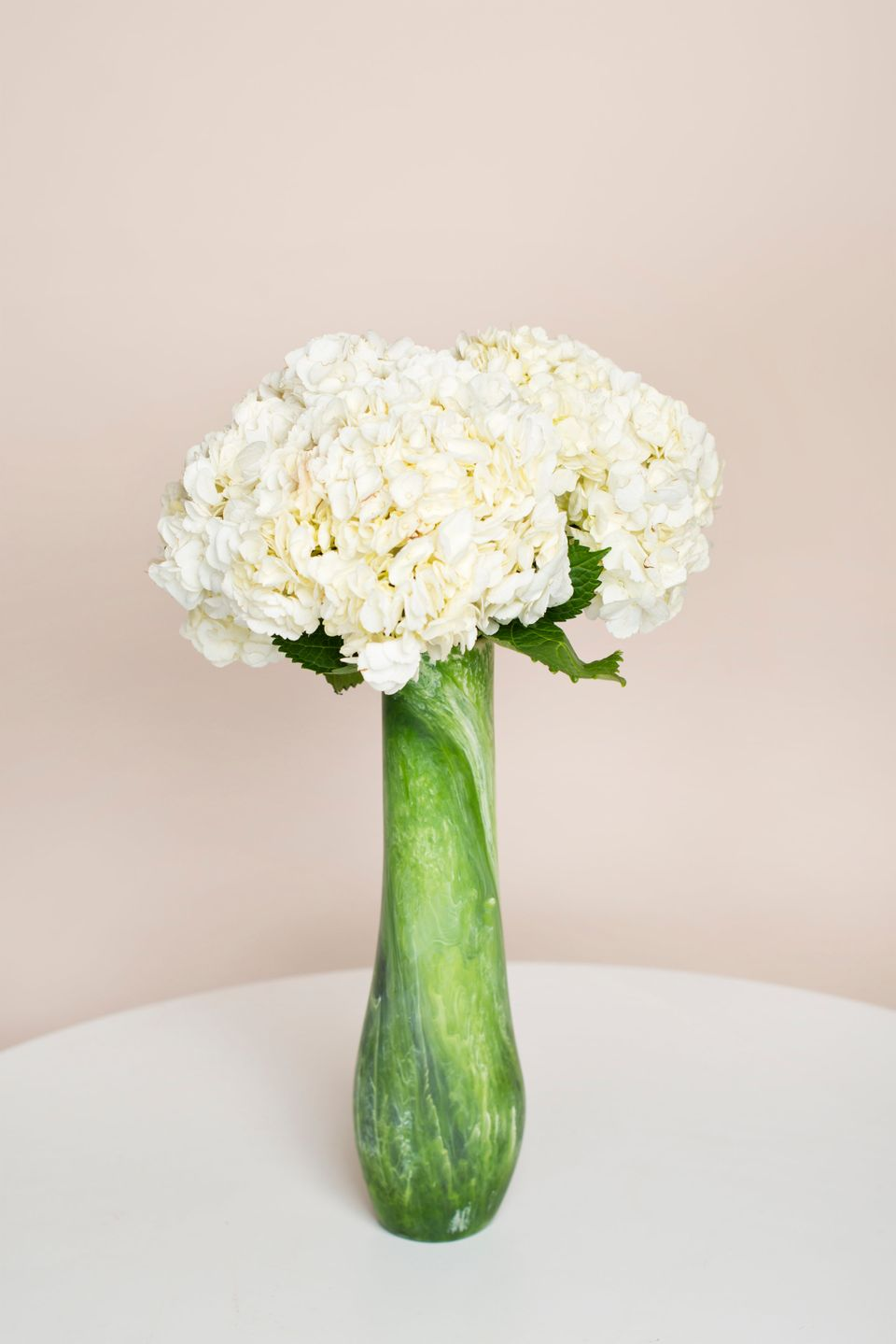 Here Are 6 Ways Anyone Can Transform Cheap Grocery Store Flowers