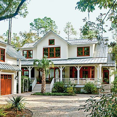 "This South Carolina home references the ""dogtrot"" floor plans popular in the area. (It's a design that allows for plenty of a"