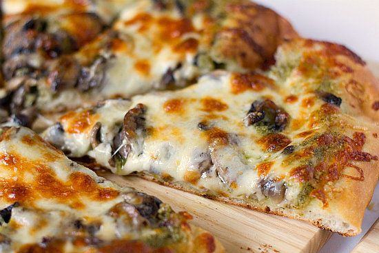 "<strong>Get the <a href=""http://www.browneyedbaker.com/2011/06/23/portobello-pesto-pizza/"" target=""_blank"">Portobello Pesto P"