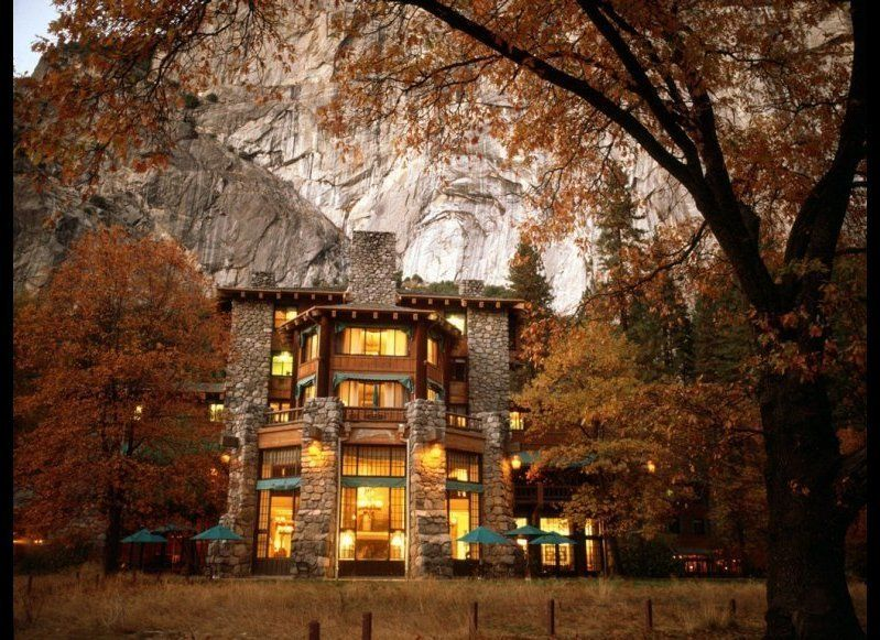 <strong>THE AHWAHNEE HOTEL