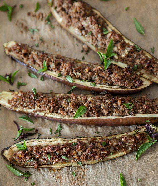 "<strong>Get the <a href=""http://www.steamykitchen.com/21518-stuffed-miso-eggplant-recipe.html"" target=""_blank"">Stuffed Miso E"