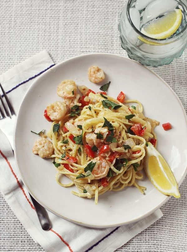 "<strong>Get the <a href=""http://www.abeautifulmess.com/2013/06/red-pepper-shrimp-scampi-1.html"" target=""_blank"">Red Pepper Sh"