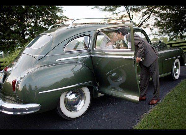 """<em>Photo by: <a href=""""http://toddpelloweblog.com/louisville-wedding-photographer/index.cfm?StartRow=21"""" target=""""_hplink"""">Tod"""