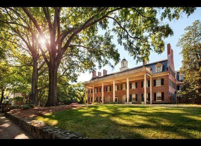 <em>Photo Credit: Courtesy of The Carolina Inn</em><strong>Where:</strong> Chapel Hill, North Carolina  The historic <a hre