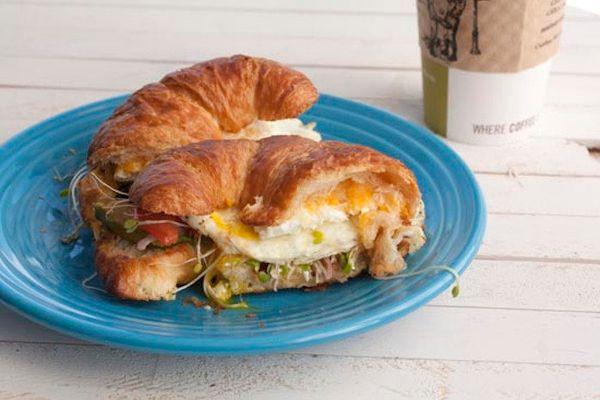 "<strong>Get the <a href=""http://www.macheesmo.com/2012/09/croissant-sandwich/"" target=""_blank"">Vegetarian Croissant Sandwich"