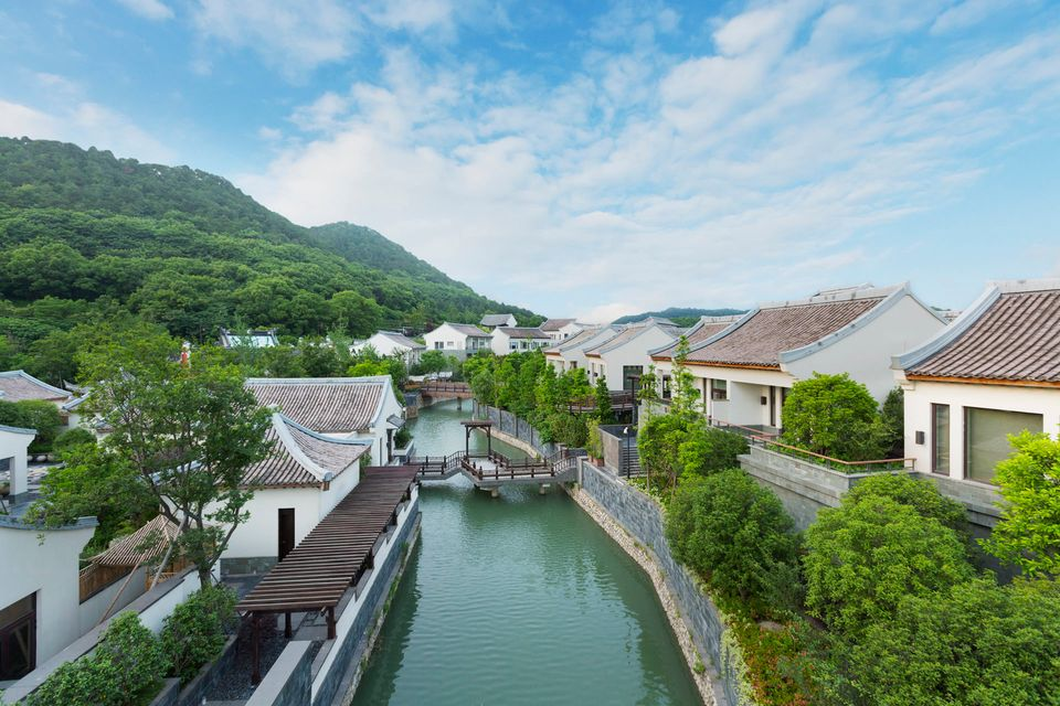 Situated on the banks of Dongqian Lake, which translates as 'lake of money in the east', this stunning resort near the city o