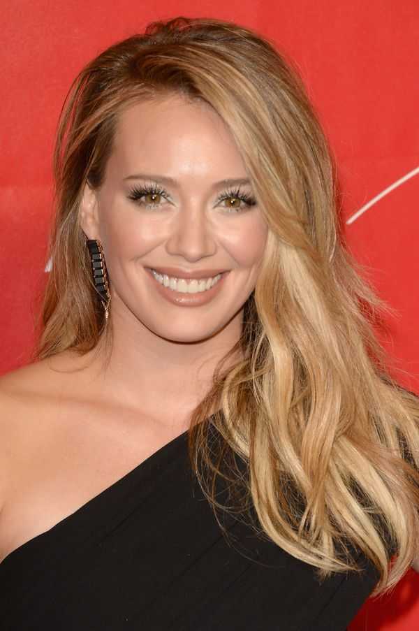 """In 2012, Hilary Duff confirmed in an interview with <a href=""""http://www.usmagazine.com/celebrity-moms/news/hilary-duff-breast"""