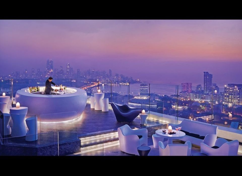"Get major air at <a href=""http://www.kiwicollection.com/hotel-detail/four-seasons-hotel-mumbai"">Four Seasons Hotel Mumbai</a>"