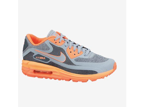 """<a href=""""http://store.nike.com/us/en_us/pd/air-max-lunar90-shoe/pid-1486995/pgid-846522"""" target=""""_blank"""">Nike Air Max Lunar90"""