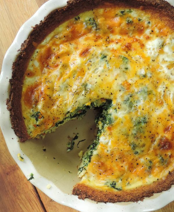 """What makes this quiche so quiche? It's the cauliflower crust. Get the <strong><a href=""""http://freshaprilflours.com/2014/06/25"""