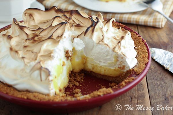 """<strong>Get the <a href=""""http://themessybakerblog.com/2012/10/21/sundaysupperlemon-meringue-pie-for-bakeforacure-with-chantal"""