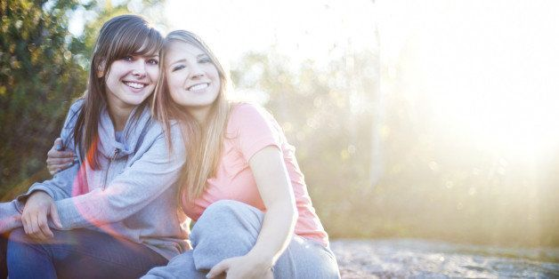 11 Signs Of A Genuine Friendship | HuffPost Life