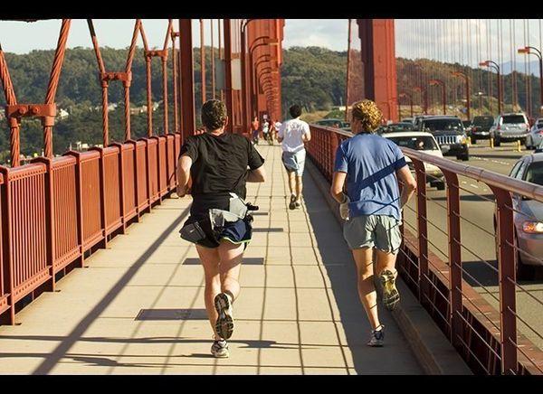 <em>Photo Credit: Rafael Ramirez Lee / Shutterstock</em>  Don't just drive across America's most famous bridge—run across i