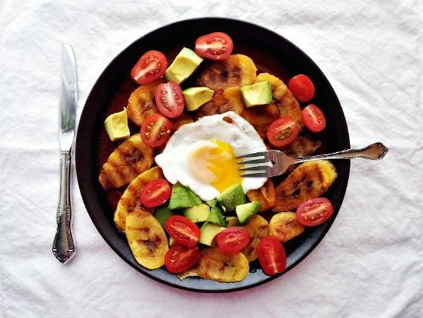 """<strong>Get the <a href=""""http://www.supernummy.com/grilled-plantains/"""" target=""""_blank"""">Grilled Plantains With Avocado & Eggs<"""