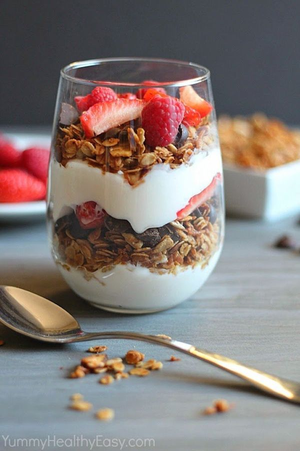 """<strong>Get the <a href=""""http://www.yummyhealthyeasy.com/2013/12/healthy-homemade-granola-parfait.html"""" target=""""_blank"""">Cocon"""