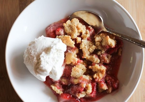 """<strong>Get the <a href=""""http://stephiecooks.com/2014/07/25/paleo-strawberry-crumble/"""" target=""""_blank"""">Paleo Strawberry Crumb"""
