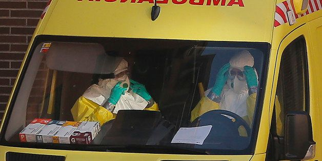 Spanish Woman Touched Face With Ebola-Tainted Glove, Doctor